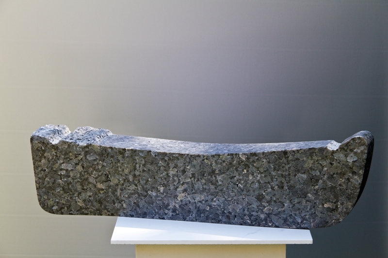 Steinskulptur: Pearl Granito 1