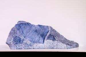Steinskulptur: montagna di bardiglio